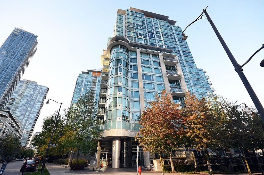Photo 3: Photos: 499 Broughton Street in Vancouver: Coal Harbour Condo for rent (Vancouver West)