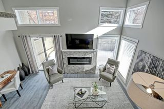 Photo 5: 14 Glamis Gardens SW in Calgary: Glamorgan Row/Townhouse for sale : MLS®# A1076786