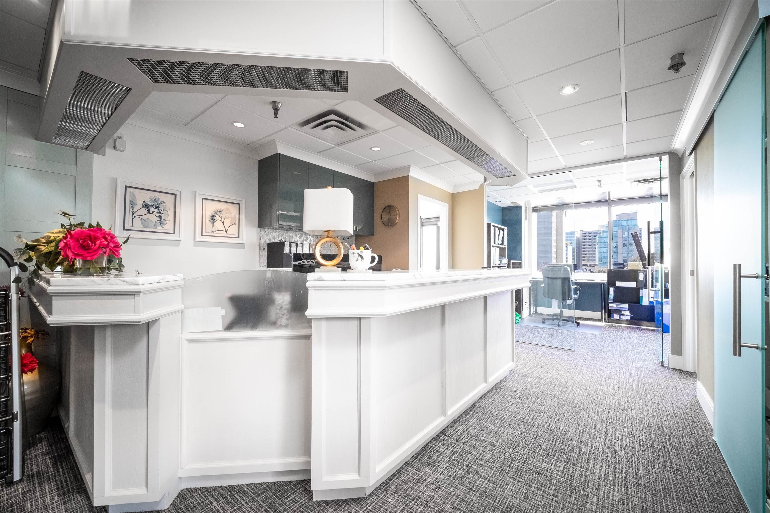 """Main Photo: 350 943 W BROADWAY in Vancouver: Fairview VW Office for sale in """"BROADWAY MEDICAL BUILDING"""" (Vancouver West)  : MLS®# C8040701"""