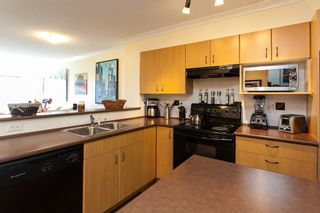 """Photo 6: 20 20350 68 Avenue in Langley: Willoughby Heights Townhouse for sale in """"Sunridge"""" : MLS®# R2068520"""