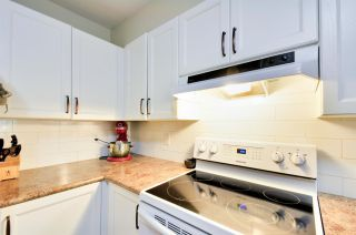 Photo 3: 209 6735 STATION HILL COURT in Burnaby: South Slope Condo for sale (Burnaby South)  : MLS®# R2094454
