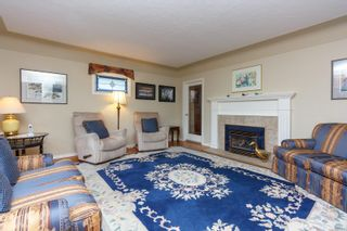 Photo 3: 216 Linden Ave in : Vi Fairfield West House for sale (Victoria)  : MLS®# 872517
