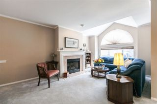 """Photo 3: 108 6109 W BOUNDARY Drive in Surrey: Panorama Ridge Townhouse for sale in """"Lakewood Gardens"""" : MLS®# R2197585"""