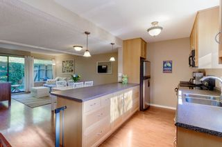 """Photo 3: 905 BRITTON Drive in Port Moody: North Shore Pt Moody Townhouse for sale in """"WOODSIDE VILLAGE"""" : MLS®# R2457346"""