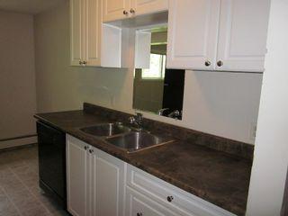 Photo 2: 11, 414 41 Street: Edson Condo for sale : MLS®# 28078