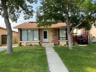 Main Photo: 32 Berkley Place NW in Calgary: Beddington Heights Detached for sale : MLS®# A1081320