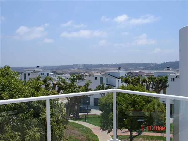 Photo 3: Photos: SOLANA BEACH Condo for sale : 3 bedrooms : 342 Shoemaker Court