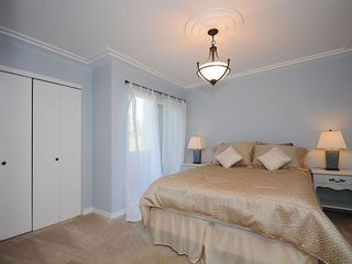 Photo 12: 1392 Rockland Ave in Victoria: Residential for sale (203)  : MLS®# 283459