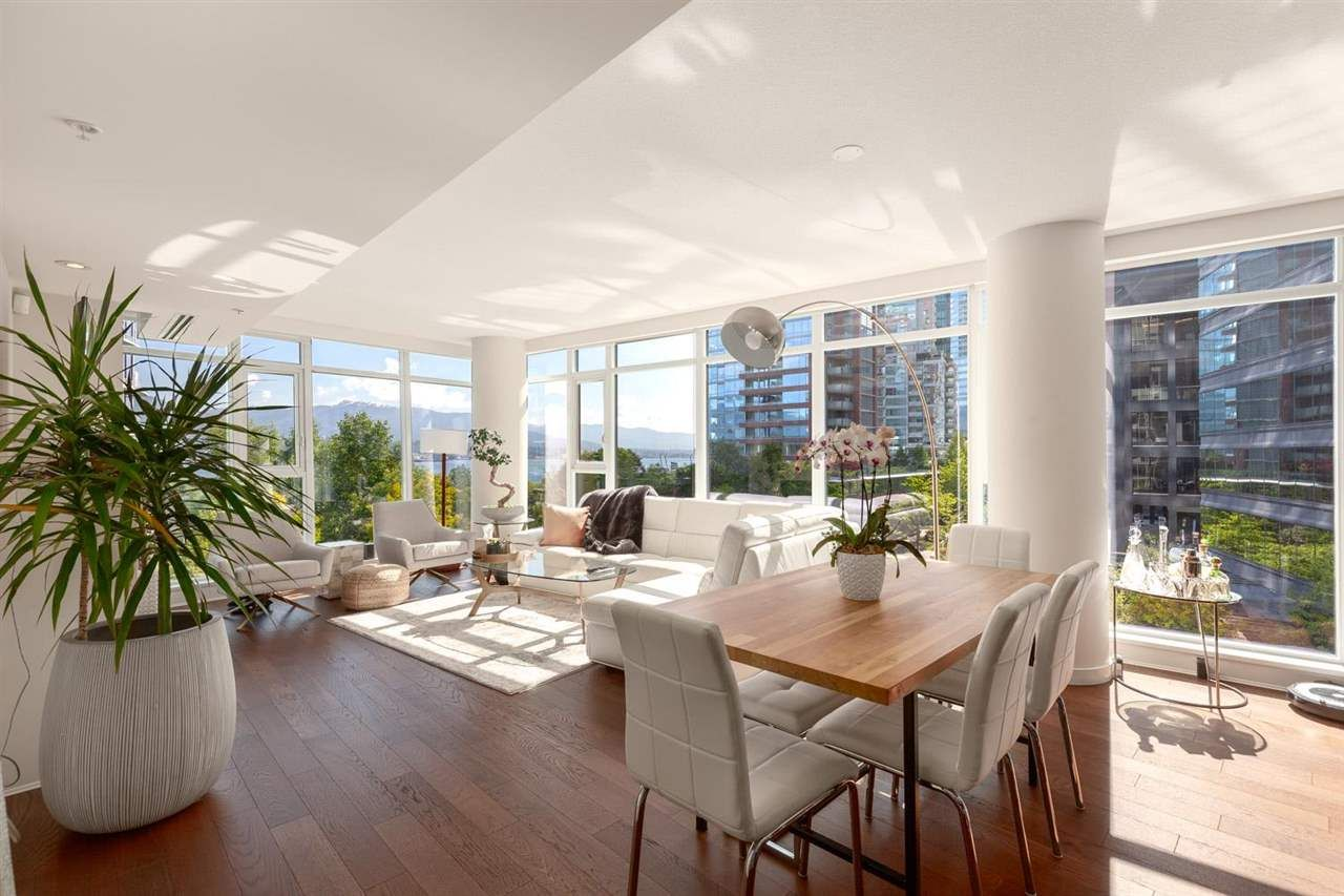"""Main Photo: 603 1205 W HASTINGS Street in Vancouver: Coal Harbour Condo for sale in """"Cielo"""" (Vancouver West)  : MLS®# R2584791"""