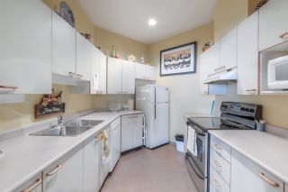"""Photo 30: 104 15111 RUSSELL Avenue: White Rock Condo for sale in """"Pacific Terrace"""" (South Surrey White Rock)  : MLS®# R2545193"""