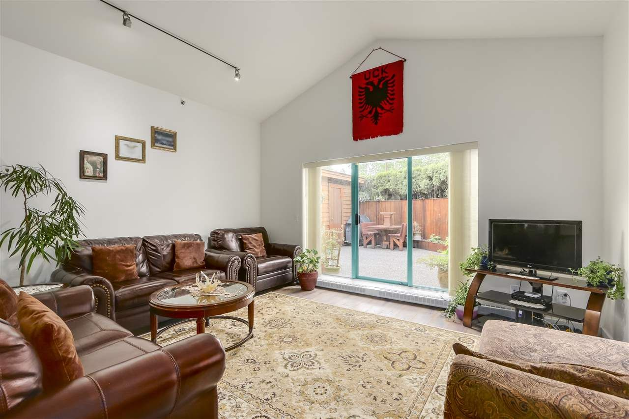Main Photo: 34 3200 WESTWOOD STREET in : Central Pt Coquitlam Condo for sale : MLS®# R2266792