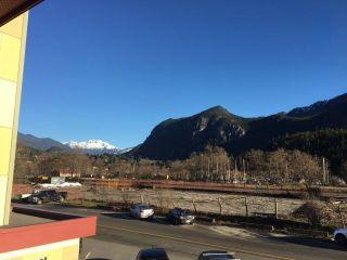"Photo 12: 204 37841 CLEVELAND Avenue in Squamish: Downtown SQ Condo for sale in ""Studio Sq"" : MLS®# R2227207"