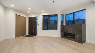 Photo 3: 2175 ARGYLE Avenue in West Vancouver: Dundarave Townhouse for sale : MLS®# R2597725