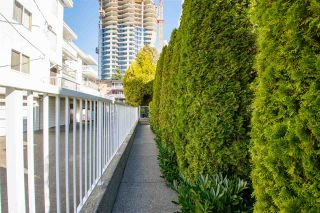 """Photo 40: 5 1508 BLACKWOOD Street: White Rock Townhouse for sale in """"The Juliana"""" (South Surrey White Rock)  : MLS®# R2551843"""