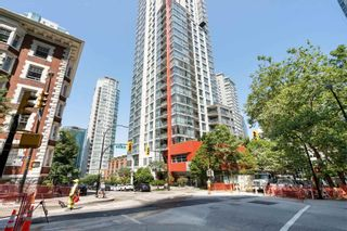 """Main Photo: 807 1211 MELVILLE Street in Vancouver: Coal Harbour Condo for sale in """"The RItz"""" (Vancouver West)  : MLS®# R2605863"""