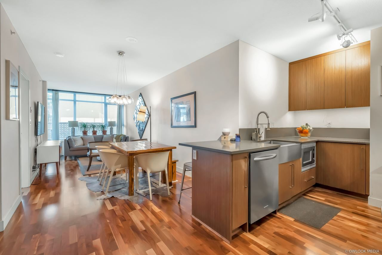 """Main Photo: 206 251 E 7TH Avenue in Vancouver: Mount Pleasant VE Condo for sale in """"District"""" (Vancouver East)  : MLS®# R2443940"""