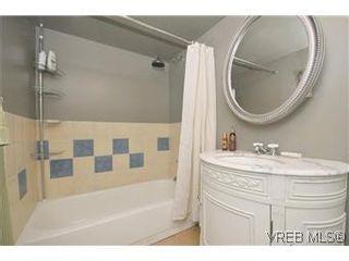 Photo 15: 2048 Newton St in VICTORIA: OB Henderson House for sale (Oak Bay)  : MLS®# 593355