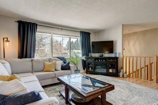 Photo 4: 5356 La Salle Crescent SW in Calgary: Lakeview Detached for sale : MLS®# A1081564