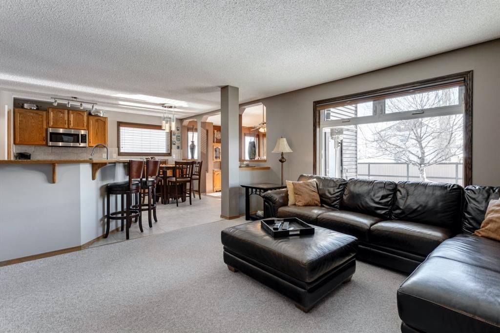 Main Photo: 134 Coverton Heights NE in Calgary: Coventry Hills Detached for sale : MLS®# A1071976