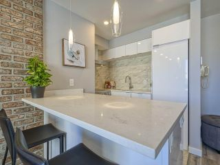 """Photo 2: 905 1250 BURNABY Street in Vancouver: West End VW Condo for sale in """"The Horizon"""" (Vancouver West)  : MLS®# R2559858"""