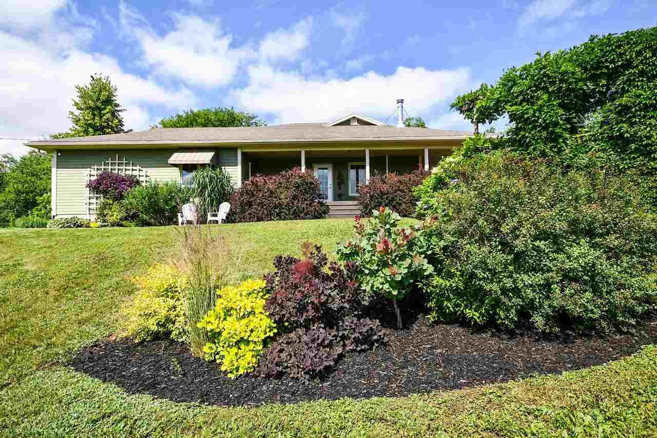 Main Photo: 669 Bog Road in Falmouth: 403-Hants County Residential for sale (Annapolis Valley)  : MLS®# 202013376