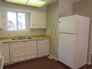 Photo 5: 9201 Morinville Drive in Morinville: Townhouse for rent