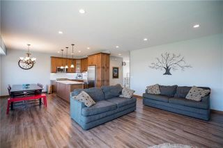 Photo 4: 11 Lowe Crescent: Oakbank Residential for sale (R04)  : MLS®# 1919246
