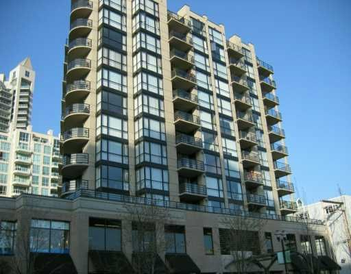 """Main Photo: 303 124 W 1ST ST in North Vancouver: Lower Lonsdale Condo for sale in """"THE 'Q'"""" : MLS®# V586942"""