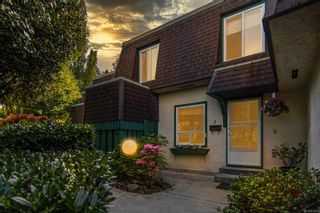 Photo 1: 2 2725 Wale Rd in : Co Colwood Corners Row/Townhouse for sale (Colwood)  : MLS®# 874827