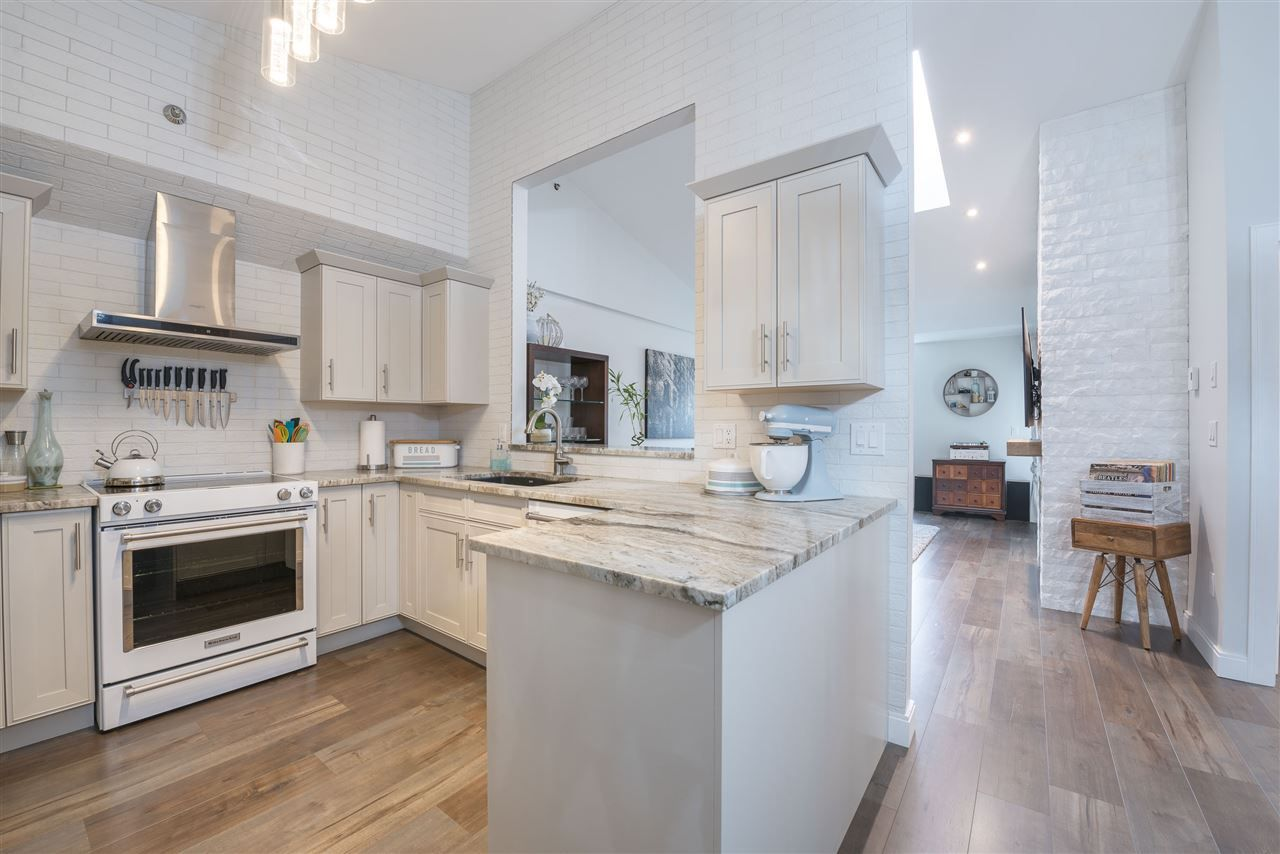 Main Photo: 407 19721 64 Avenue in Langley: Willoughby Heights Condo for sale : MLS®# R2538213