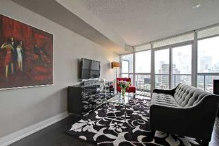 Photo 2: 1304 25 Carlton Street in Toronto: Church-Yonge Corridor Condo for sale (Toronto C08)  : MLS®# C2668914