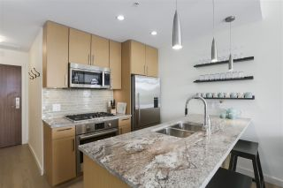 """Photo 9: 703 38 W 1ST Avenue in Vancouver: False Creek Condo for sale in """"THE ONE BY PINNACLE"""" (Vancouver West)  : MLS®# R2450251"""
