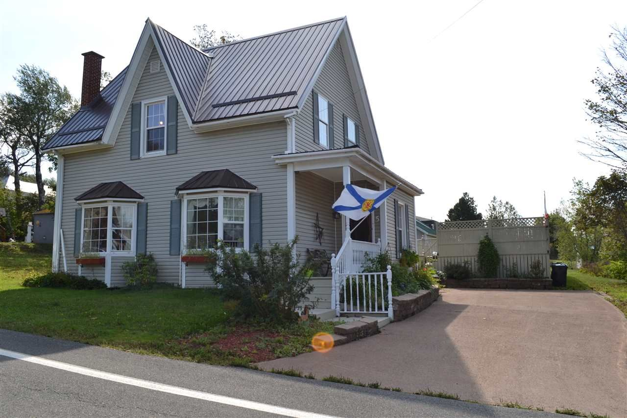 Main Photo: 5 Purdy Street in Springhill: 102S-South Of Hwy 104, Parrsboro and area Residential for sale (Northern Region)  : MLS®# 202018236