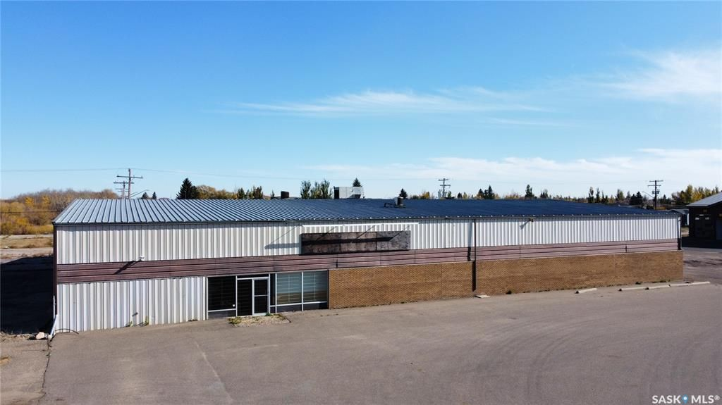 Main Photo: 2702 99th Street in North Battleford: Fairview Heights Commercial for sale : MLS®# SK873641