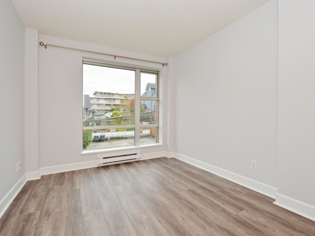 """Photo 9: Photos: 403 3811 HASTINGS Street in Burnaby: Vancouver Heights Condo for sale in """"MONDEO"""" (Burnaby North)  : MLS®# R2119090"""