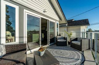 Photo 1: 890 STEVENS STREET: White Rock House for sale (South Surrey White Rock)  : MLS®# R2503733