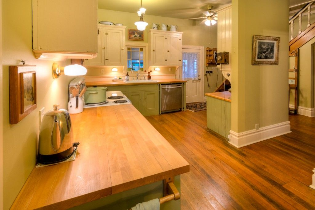 """Photo 34: Photos: 214 FOURTH Avenue in New Westminster: Queens Park House for sale in """"QUEENS PARK"""" : MLS®# R2136258"""
