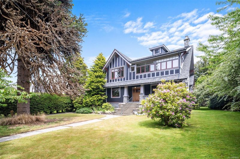 FEATURED LISTING: 757 Transit Rd