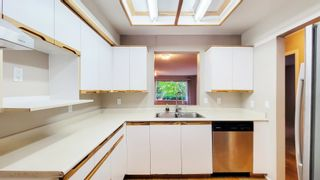 """Photo 4: 211 6820 RUMBLE Street in Burnaby: South Slope Condo for sale in """"GOVERNOR'S WALK"""" (Burnaby South)  : MLS®# R2616761"""