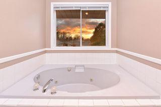Photo 10: 833 Maltwood Terr in : SE Broadmead House for sale (Saanich East)  : MLS®# 862193