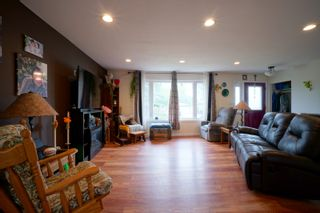 Photo 3: 703 4th Street NE in Portage la Prairie: House for sale : MLS®# 202115922