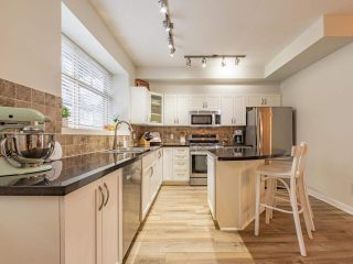 """Photo 11: 19 55 HAWTHORN Drive in Port Moody: Heritage Woods PM Townhouse for sale in """"Cobalt Sky by Parklane"""" : MLS®# R2597938"""