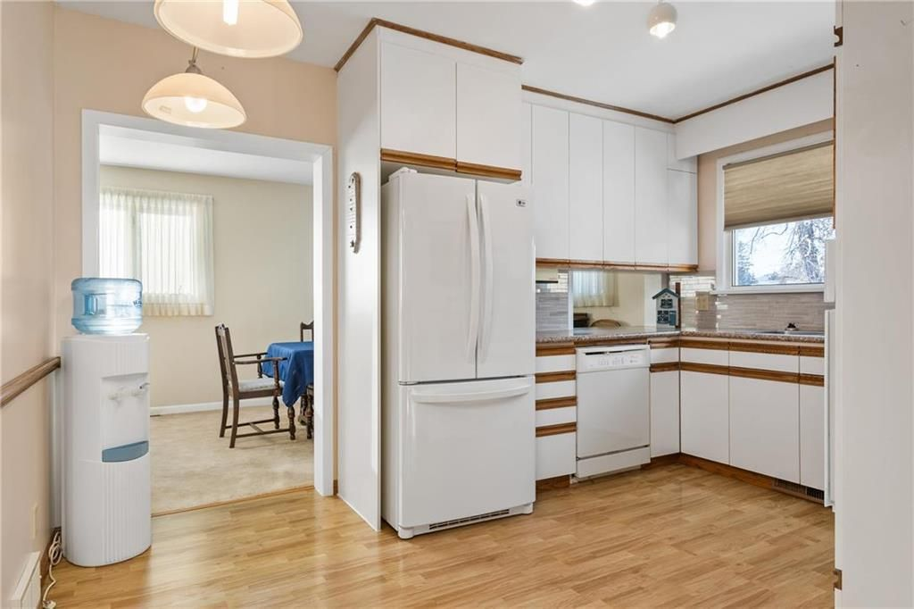 Photo 3: Photos: 219 TAIT Street in Selkirk: R14 Residential for sale : MLS®# 202000953