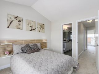 """Photo 13: 222 2228 162 Street in Surrey: Grandview Surrey Townhouse for sale in """"BREEZE"""" (South Surrey White Rock)  : MLS®# R2181833"""