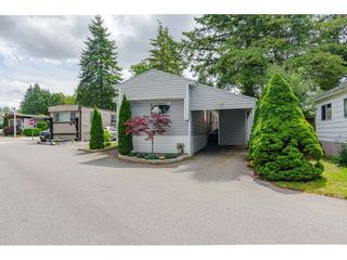 """Photo 2: 79 24330 FRASER Highway in Langley: Otter District Manufactured Home for sale in """"Langley Grove Estates"""" : MLS®# R2390843"""
