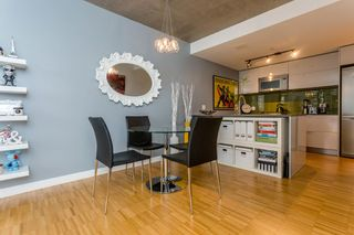 "Photo 4: 2805 128 W CORDOVA Street in Vancouver: Downtown VW Condo for sale in ""WOODWARDS"" (Vancouver West)  : MLS®# R2042542"