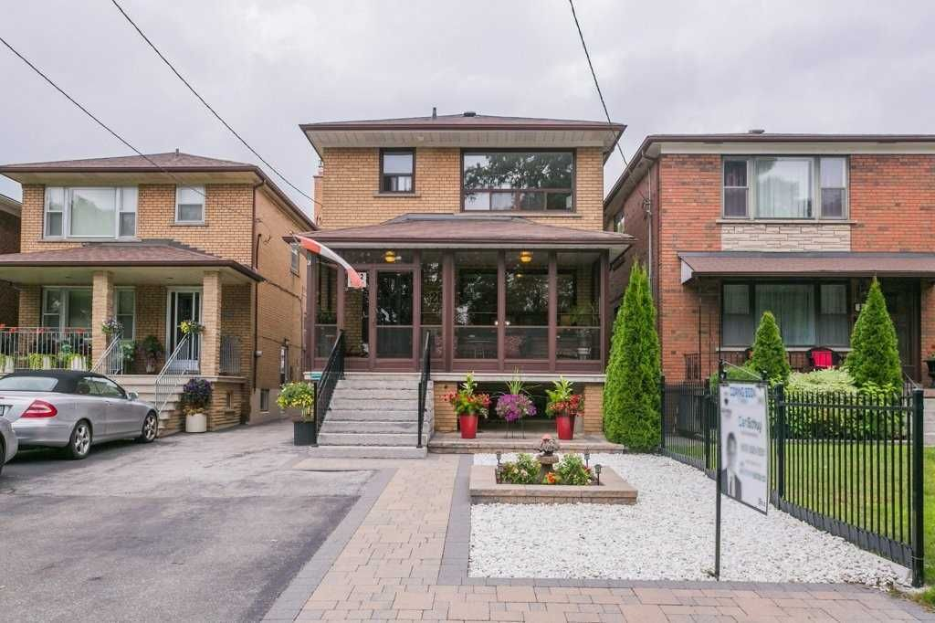 Main Photo: 262 Ryding Avenue in Toronto: Junction Area House (2-Storey) for sale (Toronto W02)  : MLS®# W4544142