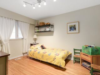 Photo 13: 1920 Ridgeway Avenue in North Vancouver: Central Lonsdale House  : MLS®# R2147491
