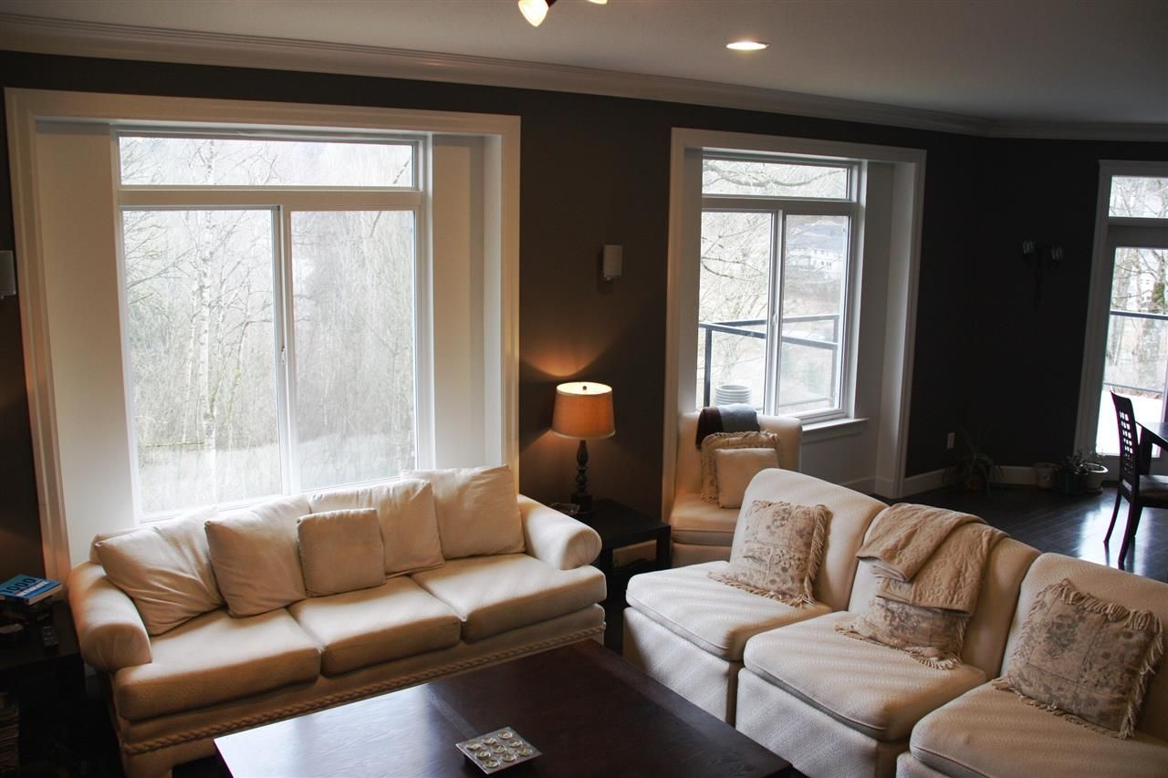 """Photo 8: Photos: 3998 CAVES Court in Abbotsford: Abbotsford East House for sale in """"SANDY HILL"""" : MLS®# R2222568"""