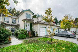 """Photo 2: 13 10038 150 Street in Surrey: Guildford Townhouse for sale in """"MAYFIELD GREEN"""" (North Surrey)  : MLS®# R2342820"""